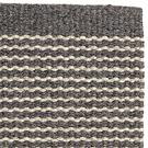 Handvävd matta Embla Dark Grey Beige.