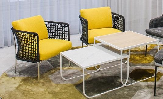 Handtuftad specialdesignad matta Astro på Ernst & Youngs kontor.