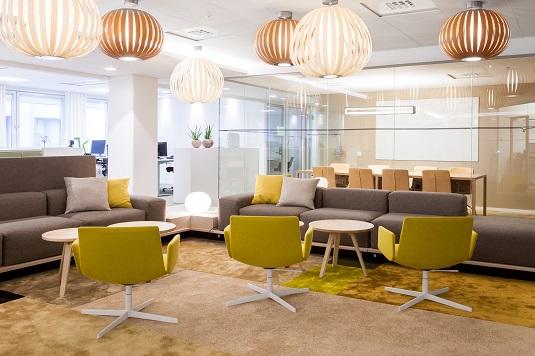 Patchwork av olika mattor kvaliteter och färger på SKL, projekt av Murman Arkitekter.