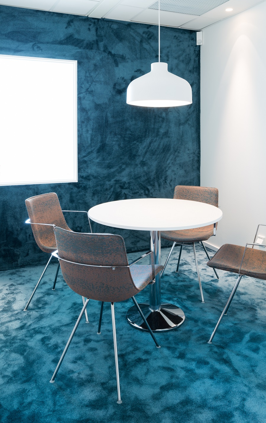Matta Frame Superior 1064 i mötesrum på Strängbetongs kontor.