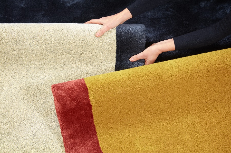 Handtuftad matta Palette by Note Design Studio i två olika färgställningar.