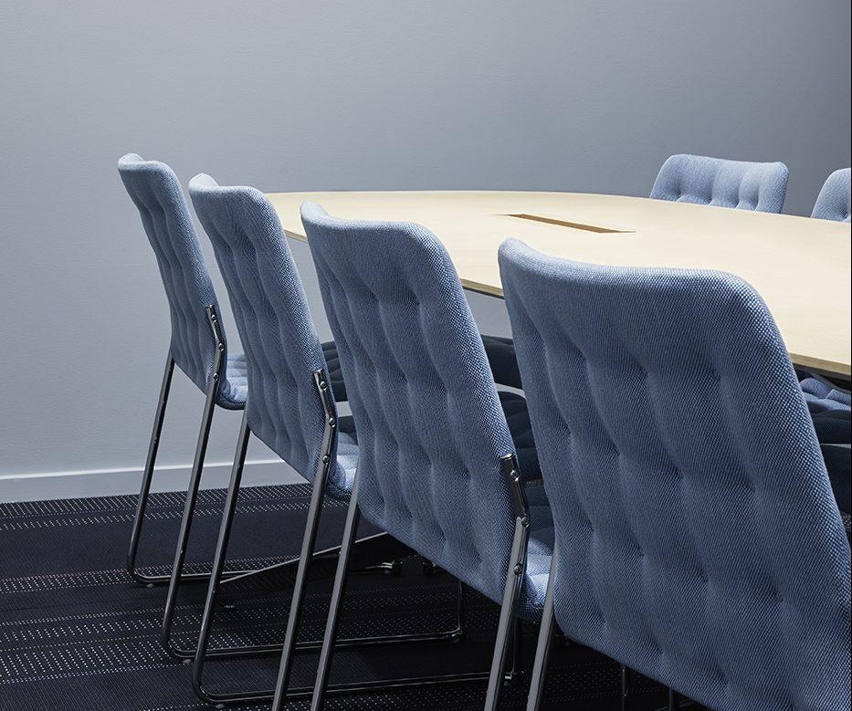 Heltäckande matta Wilton Free i mötesrum på Nordeas kontor, projekt av Thomas Eriksson Arkitekter.
