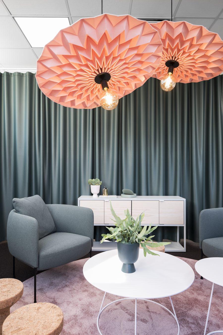 Matta Lux Exclusive 1066 under sittgrupp på Sigmas kontor, projekt av Addentity Interiör.